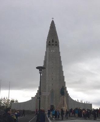 Hallgrímskirkja-Cathedral3